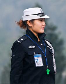各国的女警大全,哪一个最好看呢?