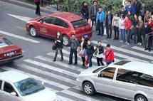 国内交通的三大怪现象,弱势群体反而强势,守交规开不快?