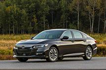 五年折價不超過一半!中型車保值率top10最新盤點