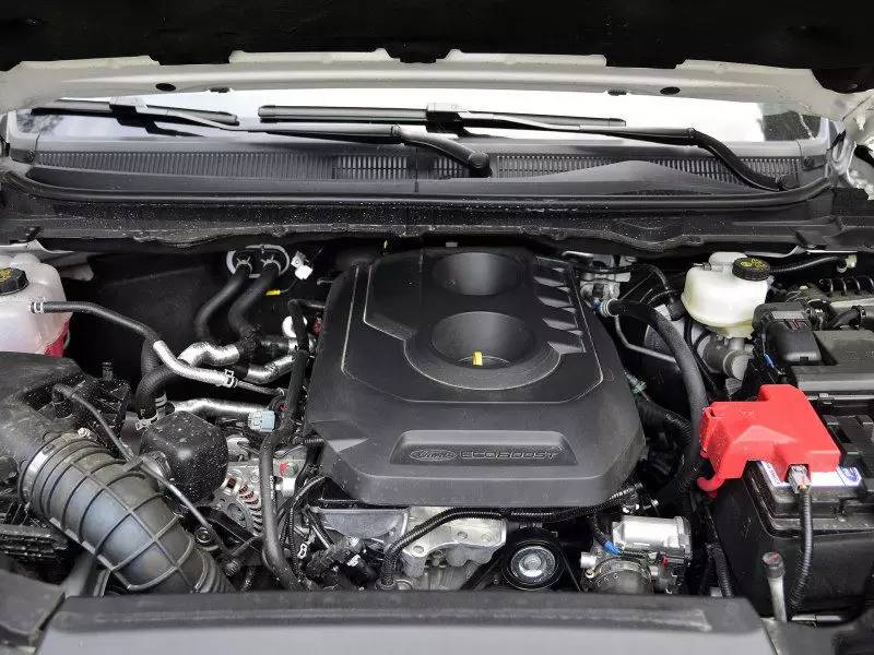 3t涡轮增压发动机,可以使驾驶者体验更新鲜的驾乘感受,同时还眷顾一定