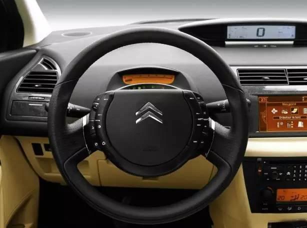 为什么汽车方向盘是圆的?